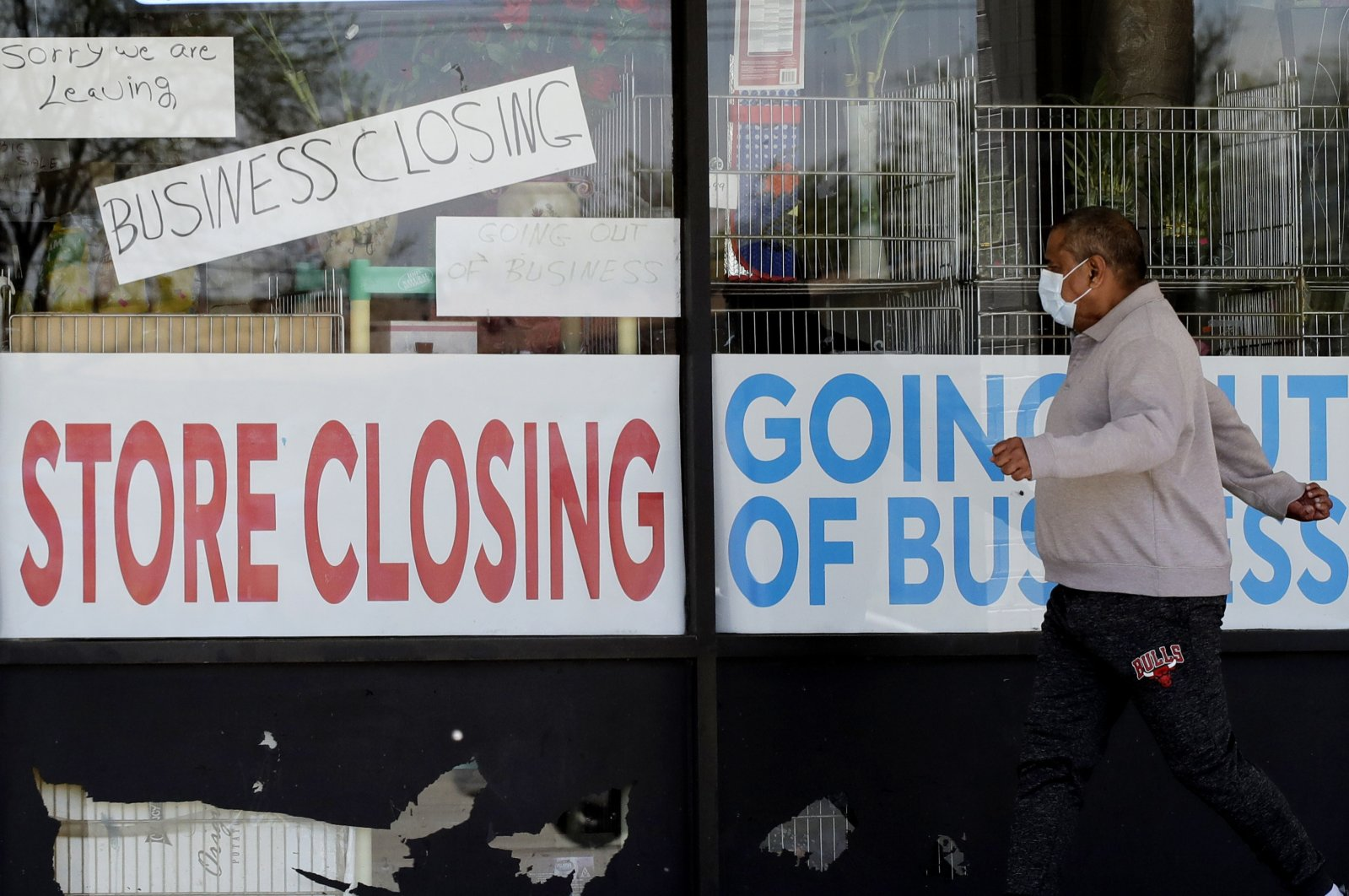 US Economy shrinks at the sharpest rate since the Great Depression
