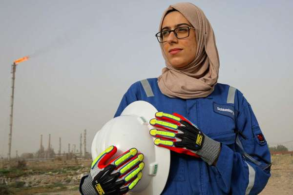 Two Iraqi Women Engineers Are Succeeding in the Oil Industry