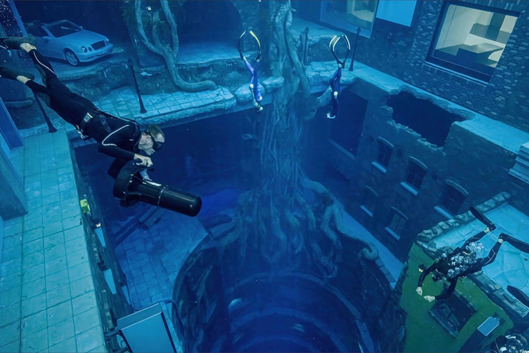 world-s-deepest-dive-pool-opens-in-dubai